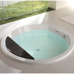 Naos Bathtub