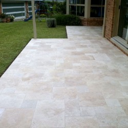 Classico Medium French Pattern Tumbled Paver Travertine